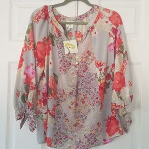 Fig and flower L bohemian top NWT